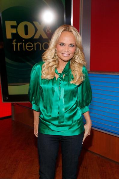 "Visit「Kristin Chenoweth Visits ""FOX & Friends""」:写真・画像(18)[壁紙.com]"