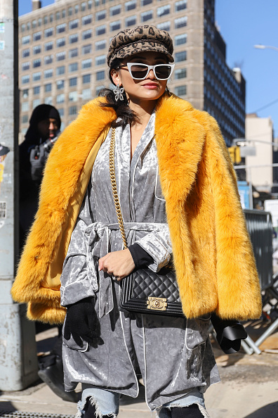 Achim Aaron Harding「Street Style - New York Fashion Week February 2019 - Day 3」:写真・画像(3)[壁紙.com]