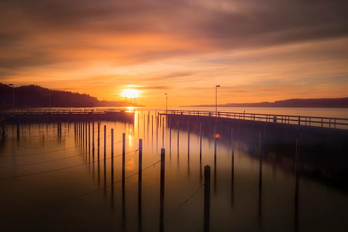 Winter Solstice「Germany, Lake Constance, Sipplingen harbour at winter solistice」:スマホ壁紙(11)