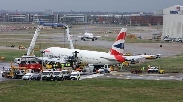 Heathrow Airport「Heathrow Airport Crash Investigation Starts」:写真・画像(15)[壁紙.com]