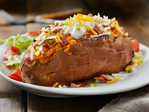 Baked Potato「Loaded, Twice Baked Sweet Potato with Bacon, Cheese, Green Onions and Sour Cream and a Side Salad」:スマホ壁紙(8)