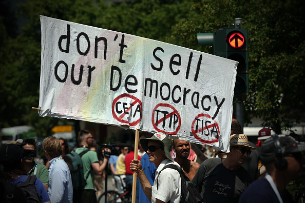 Garmisch-Partenkirchen「Demonstrators Protest Day Before G7 Summit In Garmisch-Partenkirchen」:写真・画像(13)[壁紙.com]