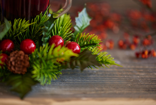 Pine Cone「Christmas ornaments on wooden table. Debica, Poland」:スマホ壁紙(15)