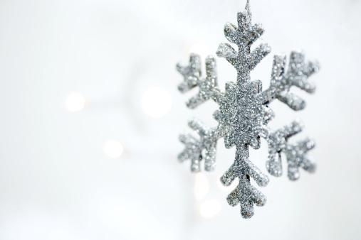 雪の結晶「クリスマス ornement」:スマホ壁紙(2)