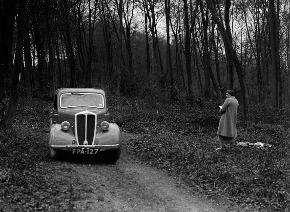 Country Road「Standard Nine at the Standard Car Owners Club Southern Counties Trial, Hale Wood, Chilterns, 1938」:写真・画像(7)[壁紙.com]