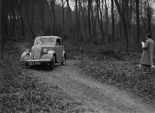Curve「Standard Nine of J Buckman at the Standard Car Owners Club Southern Counties Trial, 1938」:写真・画像(4)[壁紙.com]