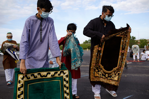 Rug「Eid Al Adha Prayers Held At Outdoor Stadium During COVID-19 Pandemic」:写真・画像(17)[壁紙.com]