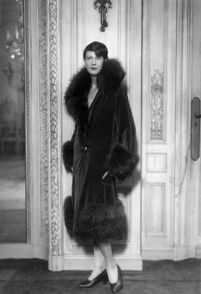 Coat - Garment「Theatre Coat」:写真・画像(6)[壁紙.com]