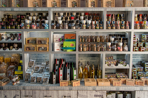 Gift Shop「Olive oil and delicatessen at souvenir shop」:スマホ壁紙(0)