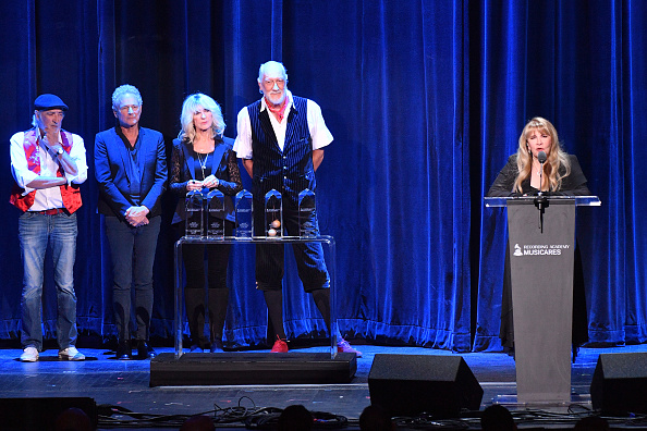 Dia Dipasupil「2018 MusiCares Person Of The Year Honoring Fleetwood Mac - Show」:写真・画像(4)[壁紙.com]