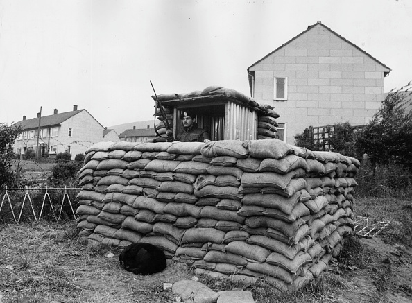 Sandbag「Guard Duty」:写真・画像(7)[壁紙.com]
