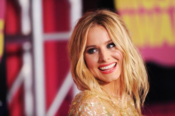 Kristen Bell「2012 CMT Music Awards - Arrivals」:写真・画像(6)[壁紙.com]