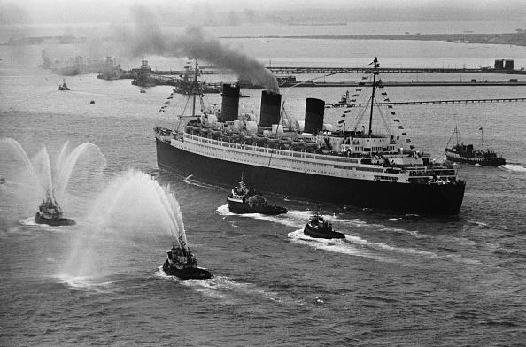 Victor Blackman「Farewell Queen Mary」:写真・画像(17)[壁紙.com]