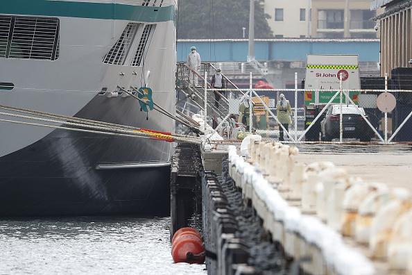 Pier「Cruise Ship Passengers To Be Quarantined Over Coronavirus Fears」:写真・画像(6)[壁紙.com]