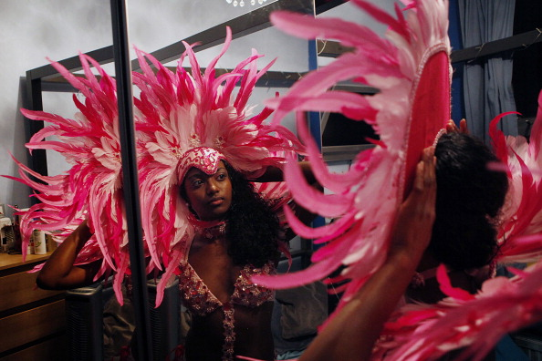 Cultures「Participants Make Their Final Preparations For The Notting Hill Carnival」:写真・画像(13)[壁紙.com]