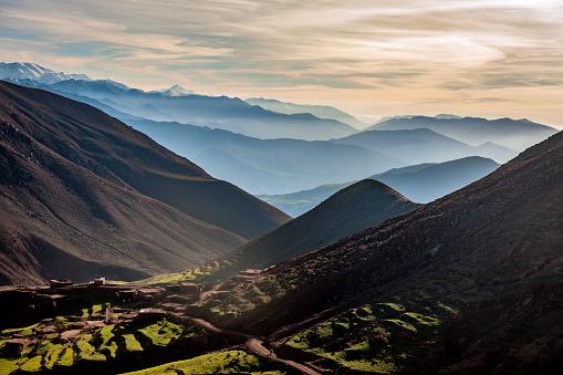 Atlas Mountains「The High Atlas, valleys, hills mist, Morocco,North Africa」:スマホ壁紙(11)