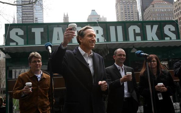 CEO「Starbucks CEO Unveils Replica Of Original Store In New York」:写真・画像(10)[壁紙.com]