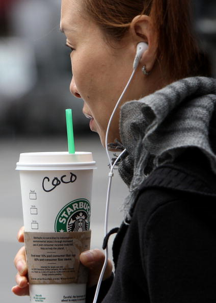 Financial Figures「Starbucks Raises Prices For Second Time In A Year」:写真・画像(15)[壁紙.com]