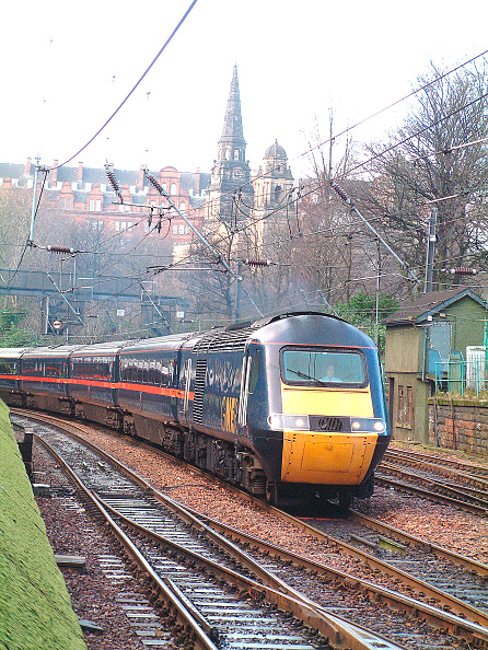 Threading「The daily GNER service between Inverness and London is provided by an HST set」:写真・画像(3)[壁紙.com]