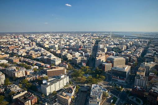 Washington DC「USA, Washington, D.C., Aerial photograph of the city with Dupont Circle」:スマホ壁紙(19)