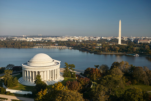Obelisk「USA, Washington, D.C., Aerial photograph of the Jefferson Memorial, Tidal Basin and Washington Monument」:スマホ壁紙(12)