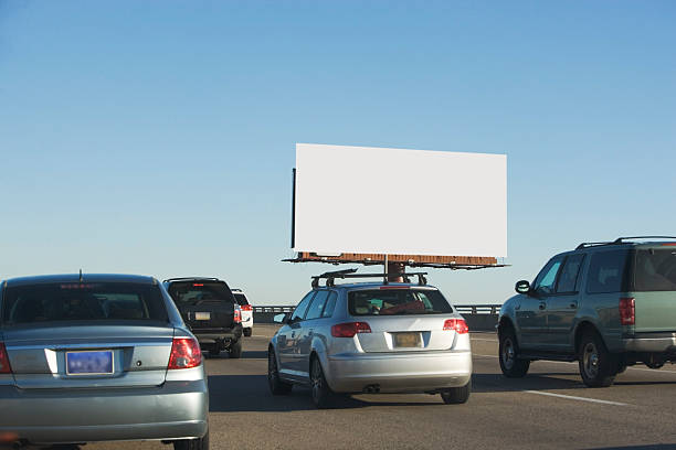 USA, Washington DC, traffic and blank billboard:スマホ壁紙(壁紙.com)