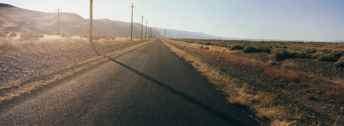 Empty Road「USA, Washington, Yakima Ridge, empty highway」:スマホ壁紙(1)