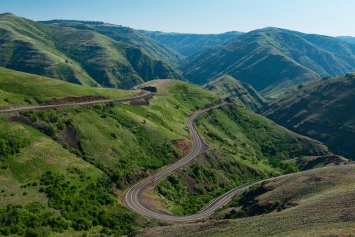 Hairpin Curve「USA, Washington, Asotin County, Mountain road」:スマホ壁紙(4)
