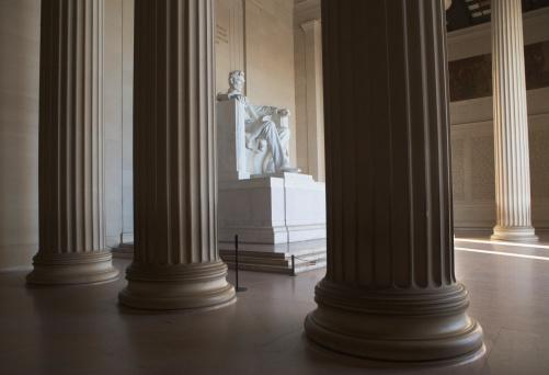 Politician「USA, Washington DC, Lincoln memorial between columns」:スマホ壁紙(19)