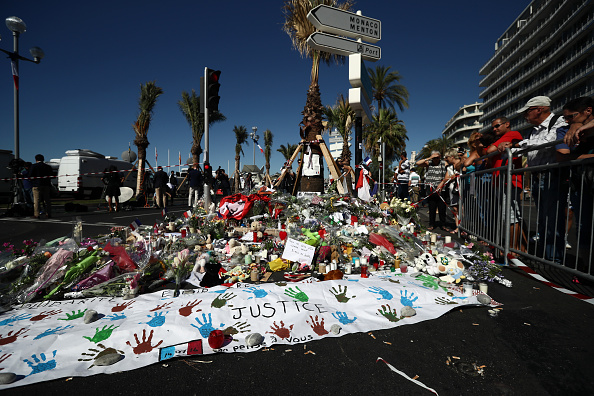 2016 Bastille Day Attack in Nice「France Continues To Mourn The Bastille Day Terror Attack」:写真・画像(17)[壁紙.com]