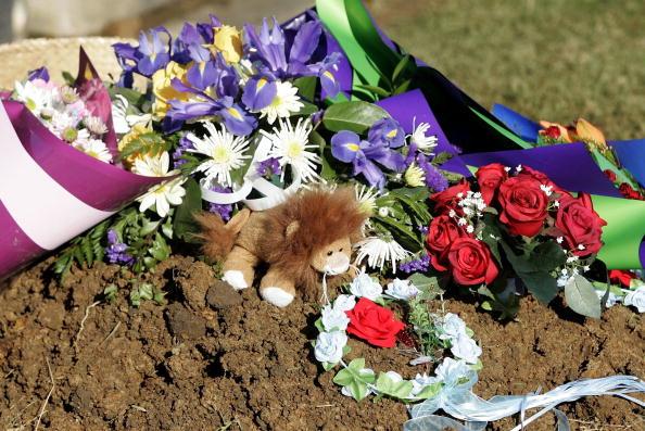 Jeff Brass「Funeral For Murdered Twin Boys」:写真・画像(12)[壁紙.com]
