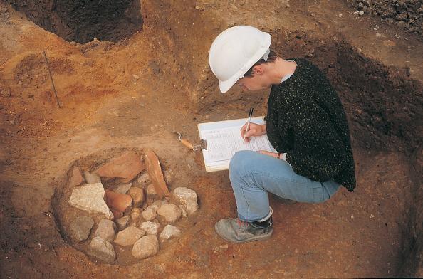 Archaeology「Roman Amphitheatre Excavation」:写真・画像(7)[壁紙.com]