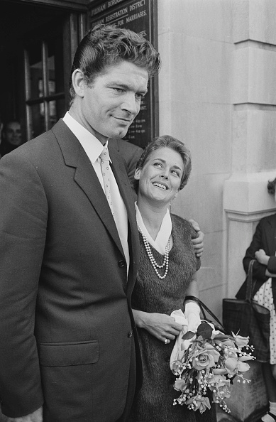 Bouquet「Stephen Boyd Marries」:写真・画像(3)[壁紙.com]