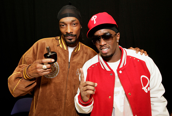Spray「P. Diddy And Snoop Dogg Backstage At Hartwall Areena」:写真・画像(16)[壁紙.com]