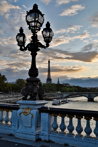 Gas Light「Pont Alexandre III bridge Paris」:スマホ壁紙(10)