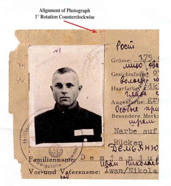Hiding「John Demjanjuks U.S. Citizenship Revoked」:写真・画像(2)[壁紙.com]