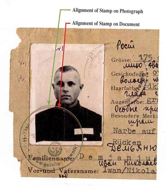 Hiding「John Demjanjuks U.S. Citizenship Revoked」:写真・画像(3)[壁紙.com]