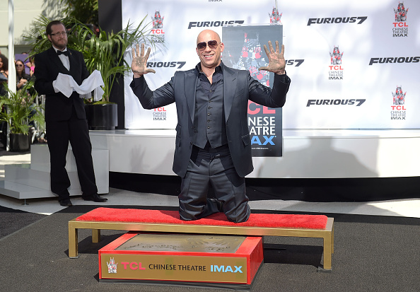 Three Quarter Length「Vin Diesel Immortalized With Hand And Footprint Ceremony」:写真・画像(15)[壁紙.com]
