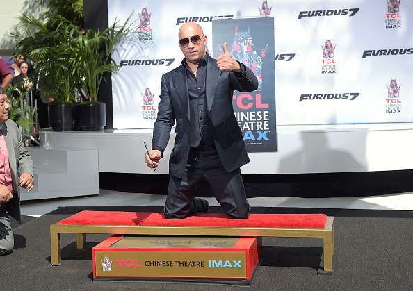 Three Quarter Length「Vin Diesel Immortalized With Hand And Footprint Ceremony」:写真・画像(14)[壁紙.com]