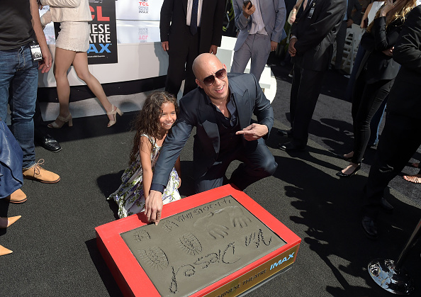 Natural Pattern「Vin Diesel Immortalized With Hand And Footprint Ceremony」:写真・画像(2)[壁紙.com]