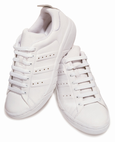 Shoelace「A pair of classic white tennis shoes」:スマホ壁紙(11)