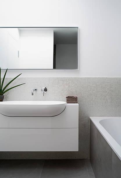 A modern bathroom:スマホ壁紙(壁紙.com)