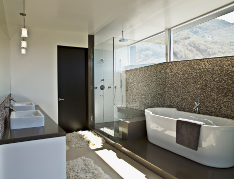 Calabasas「Modern bathroom with soaking tub」:スマホ壁紙(13)