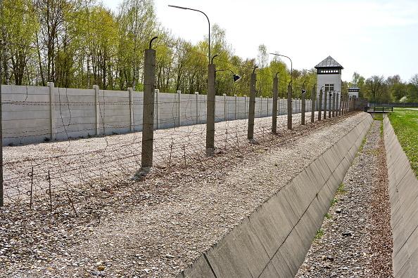 Richard Blanshard「Dachau Memorial Site」:写真・画像(12)[壁紙.com]