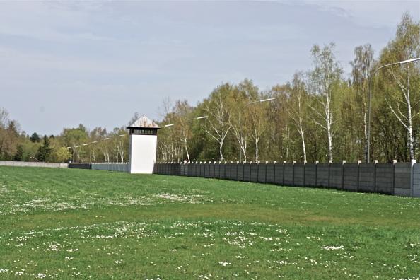 Richard Blanshard「Dachau Memorial Site」:写真・画像(10)[壁紙.com]