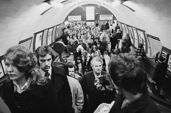 Commuter「Holborn Underground Station」:写真・画像(18)[壁紙.com]