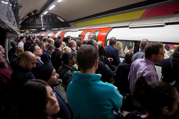 London Underground「London Underground 48-hour Tube Strike Affects Rush Hour」:写真・画像(0)[壁紙.com]