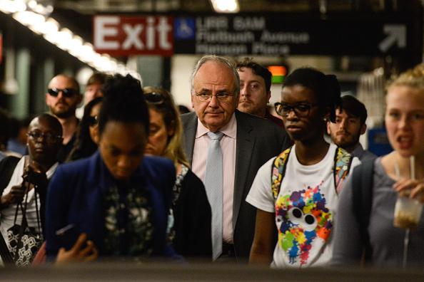 鉄道・列車「NYC Commuters Begin 'Summer Of Hell' As Penn Station Begins Major Track Repairs」:写真・画像(12)[壁紙.com]