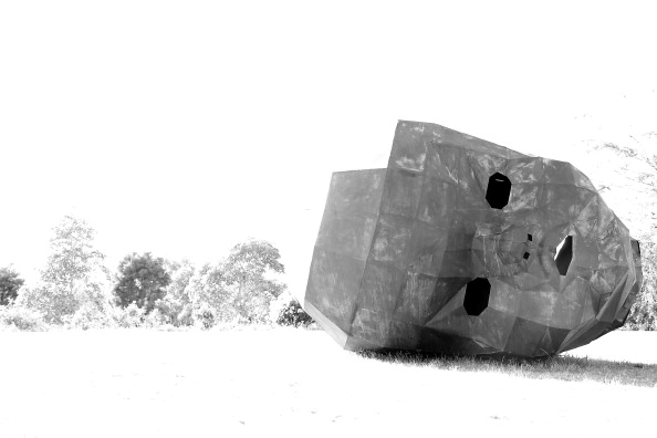 "Hiding「Australian Cemetery Features ""Hidden"" Annual Scultpure Exhibition」:写真・画像(0)[壁紙.com]"