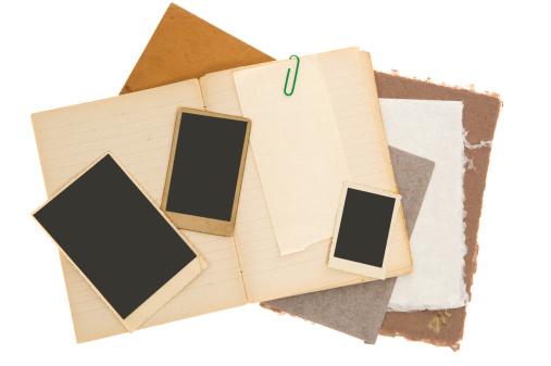 スクラップブック「スクラップブックの背景にビンテージ写真」:スマホ壁紙(17)